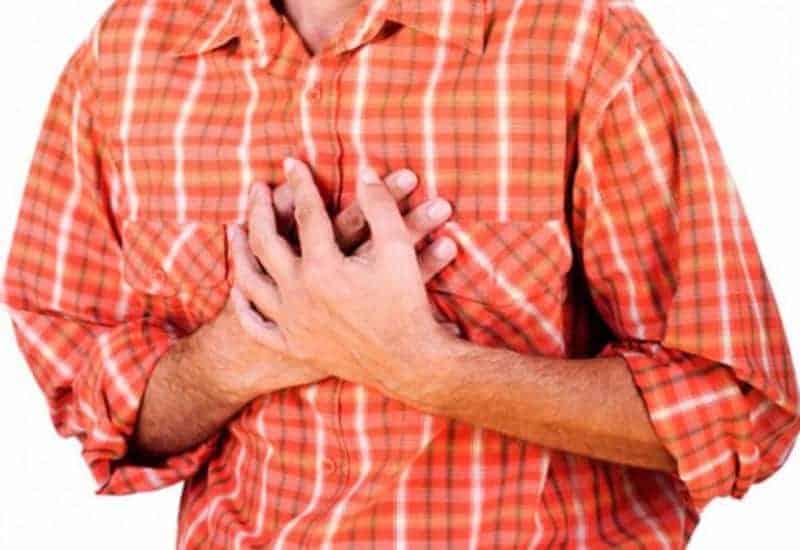 у мужчины заболело сердце