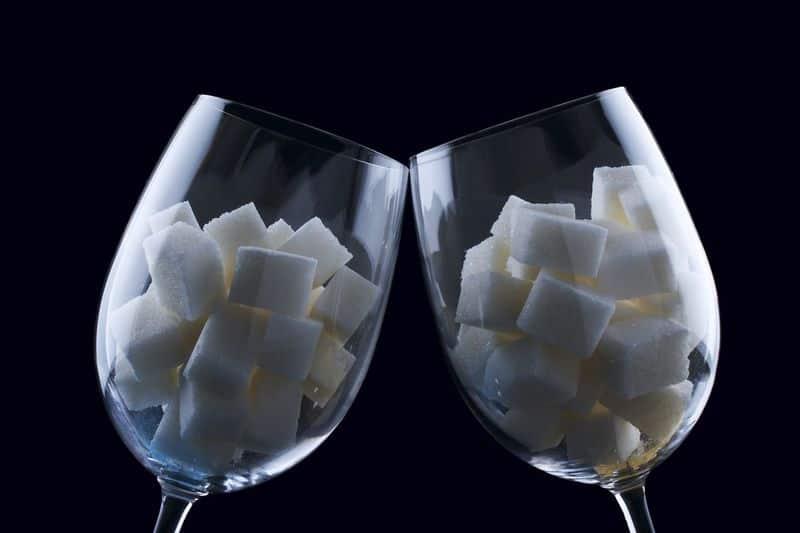 стаканы с сахаром