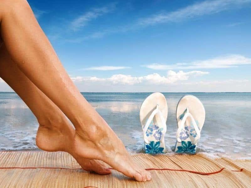 ноги и море