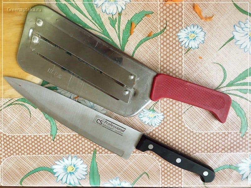 два ножа для шинкования капусты
