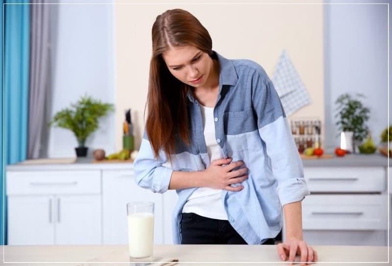 у девушки аллергия на молоко